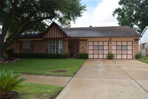 11415 pine knoll drive, houston, TX 77099