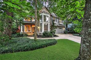 19 Classic Oaks, The Woodlands TX 77382