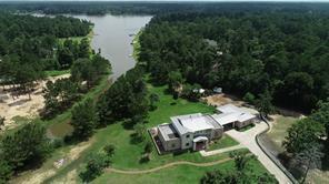 19727 Country Lake