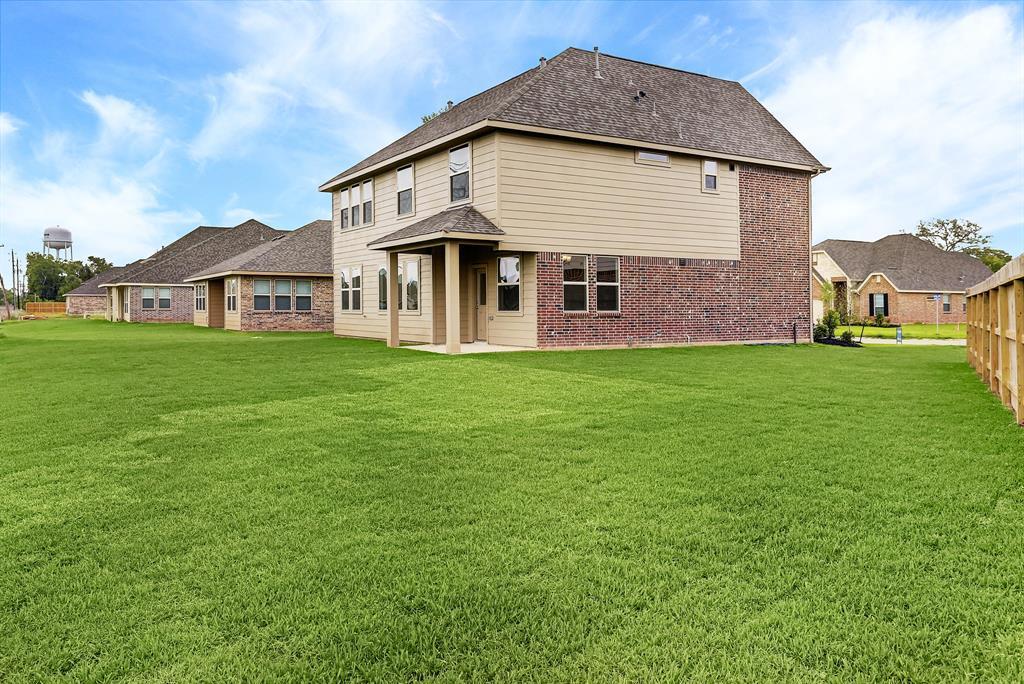 701 Burr Oak, Richwood, TX 77531