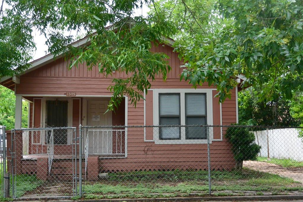 1305 Pine Street, Baytown, TX 77520
