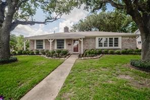8803 Roos, Houston TX 77036