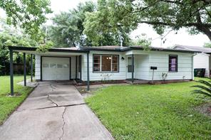 1207 shawnee street, houston, TX 77034