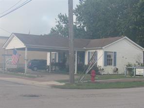 317 w willis street, alvin, TX 77511
