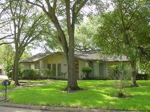 4118 Elderwood Drive, Taylor Lake Village, TX 77586