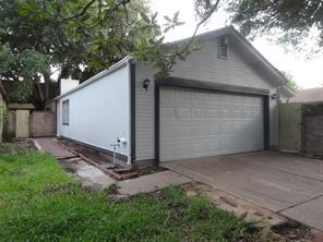 11643 karlwood lane, houston, TX 77099