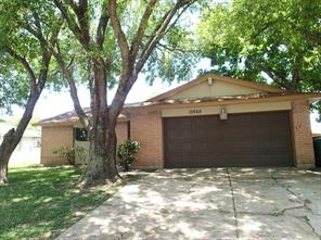 15865 Ridgeroe Ln, Houston TX 77053
