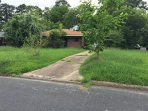 Houston Home at 1004 Oak Drive Huntsville , TX , 77320-3739 For Sale