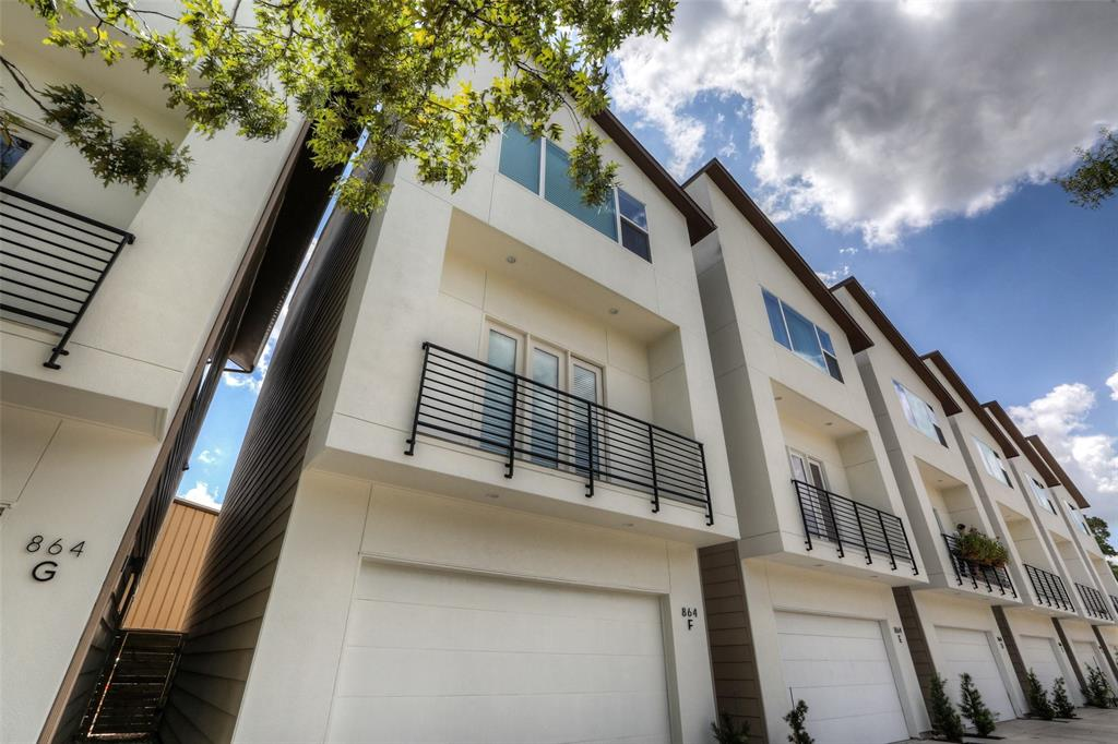 Brand new, free-standing home in the popular Garden Oaks area.