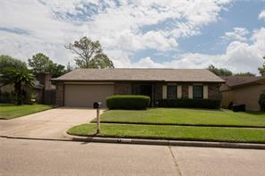 8110 enchanted forest drive, houston, TX 77088