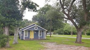 3823 Commerce Road, Damon, TX 77430