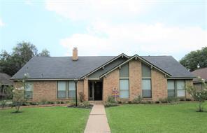 58 Raintree Court, Lake Jackson, TX 77566