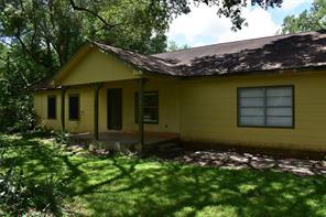 2585 county road 145, alvin, TX 77511