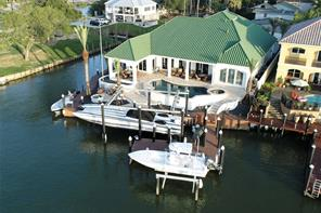 1 Harbor Lane, Kemah, TX 77565