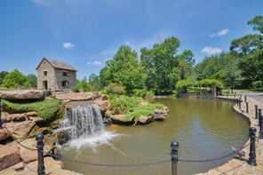 36943 Edgewater Drive, Pinehurst, TX 77362