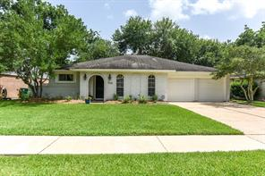 746 voyager drive, houston, TX 77062