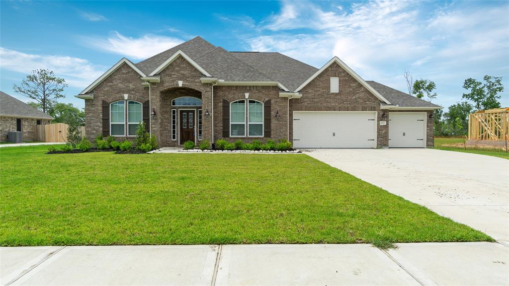 15319 Icet Creek Avenue, Mont Belvieu, TX 77523