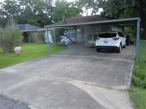 13418 e indianapolis street, houston, TX 77015