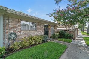 188 Tri Oaks Lane, Houston TX 77043