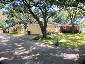2820 avenue k, bay city, TX 77414
