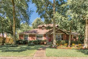 1015 Oak Leaf Street, La Porte, TX 77571