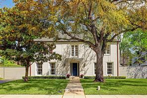 This classic Hiram Salisbury 1935 River Oaks home is stunning in every way with clean lines that distinguish the residence where  modern undertones have been perfectly blended with it timeless traditional style.