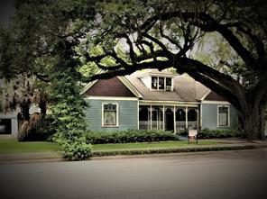 104 s johnson street, alvin, TX 77511