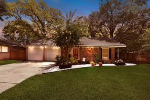 1306 Bournewood Drive, Sugar Land, TX 77498