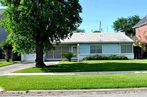 4526 Mayfair, Bellaire, TX, 77401