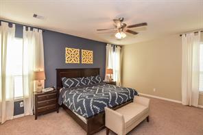 102 Easton Glen Lane, Dickinson, TX 77539