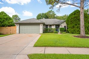 8234 squires place drive, houston, TX 77083