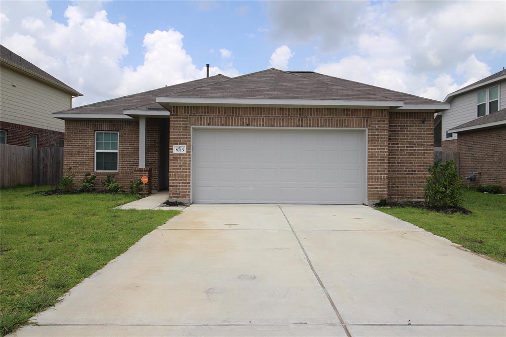 8715 Morning Dove Lane, Baytown, TX 77521