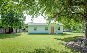 4805 birch street, santa fe, TX 77517