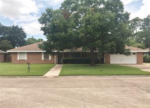 8519 Plantation Drive, Texas City, TX 77591