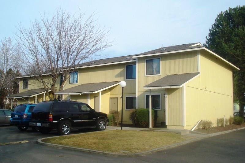420 S Hill Road, Sunnyside, WA 98944