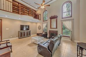 11810 bourgeois forest drive, houston, TX 77066