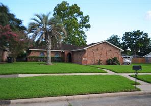 802 seacliff drive, houston, TX 77062