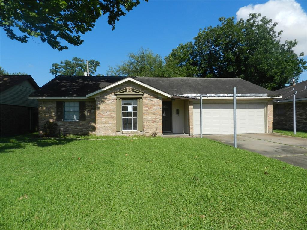 Come view this 3 bedroom home located in Deer Park ISD.. Covered back patio provides great space for outdoor entertaining.. This home features a study that could be used as a home office.. Split floorplan.. Closely located near area schools and shopping.. Don't miss out on this one.. Schedule a private showing today!