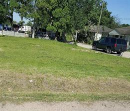 716 san antonio street, houston, TX 77012