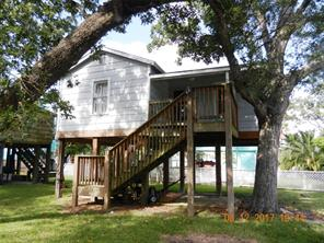 522 Narcissus Road, Clear Lake Shores, TX 77565
