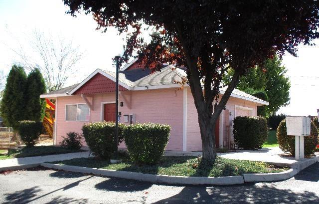 405 Nicka Street, Grandview, WA 98930