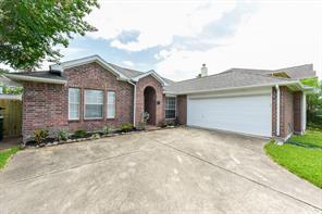 Houston Home at 615 Oak Briar Drive Kemah , TX , 77565-8138 For Sale
