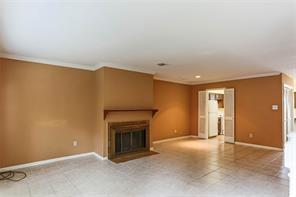 9901 sharpcrest street j5, houston, TX 77036
