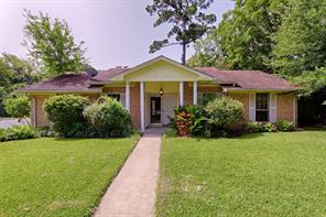 2601 pine shadows drive, huntsville, TX 77320