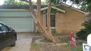 6339 Delfern, Houston TX 77035