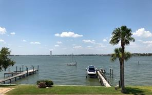 1207 N Shore Drive, Clear Lake Shores, TX 77565