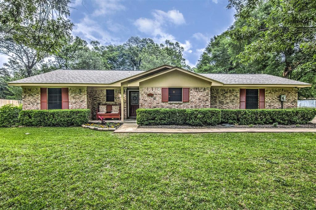 151 Linnwood Drive N, Woodbranch, Texas 77357