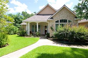 Fabulous home located on a corner lot in the popular Wedgewood Subdivision. This 3/3/3 is move in ready!