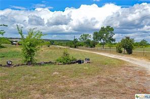 325 weiss road, new braunfels, TX 78130