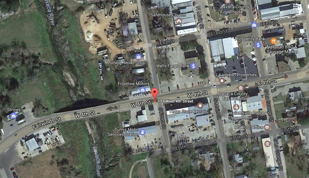 101 W Fourth Street Street, Hallettsville, TX 77964